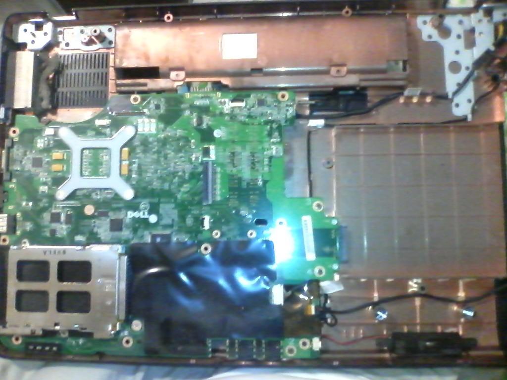 Чистка ноутбука от пыли, забитый радиатор охлаждения